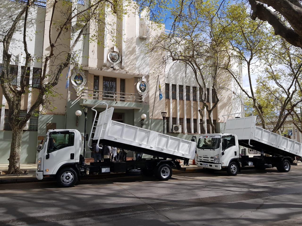 ISUZU entregó camiones a la Municipalidad de San Rafael